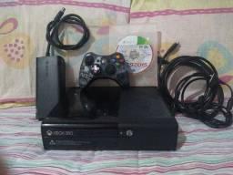XBOX 360 SUPER SLIM/2 JOGOS/1 CONTROLE