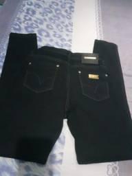Calça 767 preta