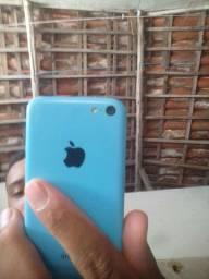Vendo iPhone 5c  sem pegar chip mais e 50reais para ajeita