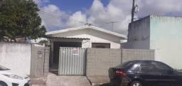 Aluga casa no bairro da torre com 3 quartos
