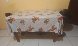 Mesa de madeira leve