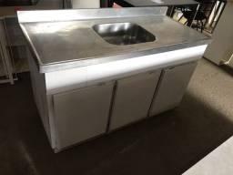 Armário de cozinha com pia inox usada