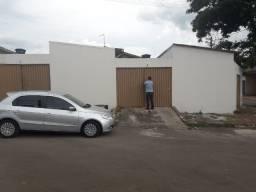 Barracão no Parque Brasília, 2 quartos, sala, cozinha e garagem