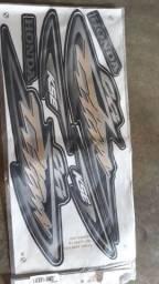 Adesivo da TITAN  CG KSE 2004 ,cor preta novo