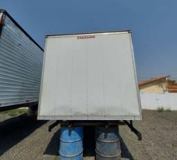 Baú Facchini para caminhão 3/4 ( vendo e troco por baú mais alto)