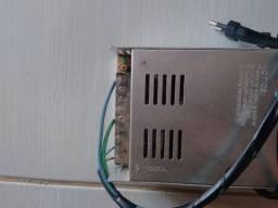 Fonte chaveada 30 amperes muito boa