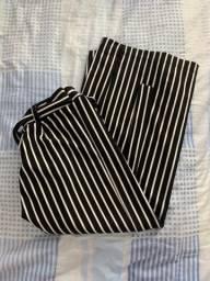 calça pantacourt listrada