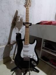 Guitarra Novíssima tem conversa no preço ou troca