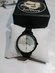 Relógio Tommy H. Novo