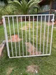 Portão de Ferro 1,20 m  x 1,30 m
