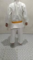 Kimono usado mas da pra fazer treinos R$100