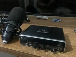 Interface De Áudio Behringer U-phoria Umc22 e microfone condensador Bm800