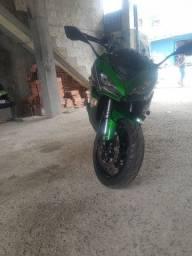 Moto Kawasaki 1000 cc Tourer