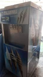 Vendo máquina de sorvete cm preparatório de milkshaque