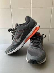 Tênis Nike Dart XII cinza
