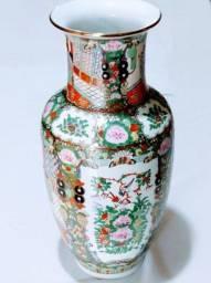 Vaso em Porcelana Chines Antigo