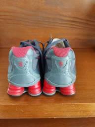 Nike shox 4 molas cinza e rosa número 34