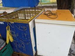 Gaiola e carcaça de frizer para venda de Coco,300 reais