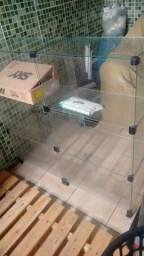 Estante  de vidro pra colocar vários utensílios