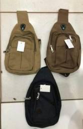 mochilas em várias estilos