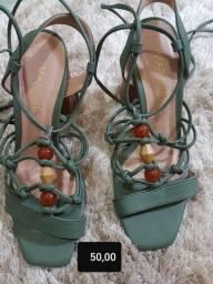 Sandalia  de amarração  no tornozelo