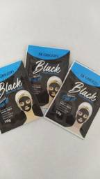 Máscara facial de cravos argila negra