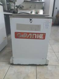 Masseira Industrial 25 kg marca G.paniz