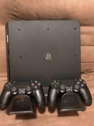 Playstation 4 PRO, 2 controles, Base cooler, vários jogos. SEM USO!