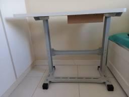 Mesa para máquina de costura usada