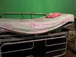 Cama hospitalar e colchão casca de ovo com capa