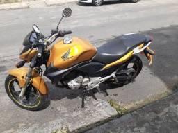 Moto CB 300 2010 (Com pouco uso)
