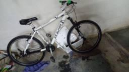 Bicicleta GT superr