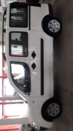 Fiat Doblo Essence Flex 1.8 07 Lugares 2014 - R$ 43.900,00 sinal R$ 13.990,00 + 48 x fixas