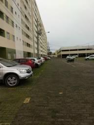 Apartamento 2/4 sendo 1 suíte, com vaga de garagem coberta