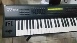 Vendo ou troco por outro teclado rolnd jv 80