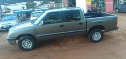 S10 DLX 2004 4x2 2.8 Diesel - 2004