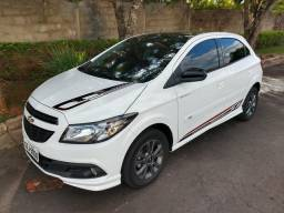 Chevrolet Onix Effect - 1.4 Completo - 2016 - 2016