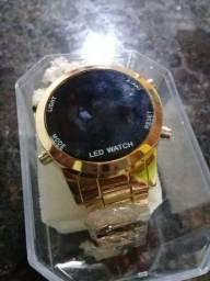 Vendo um relógio unissex
