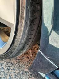 Vendo pneus Delinte 165/40R18 excelente para quem gosta de carro baixo