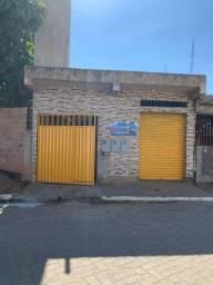 Casa com quintal + loja no bairro Penha