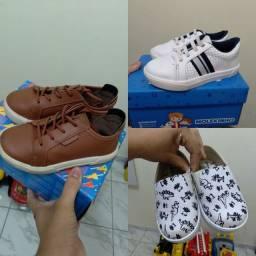 3 sapatos tamanho 23 por 85,00