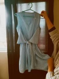 Vestido branco com listras azuis