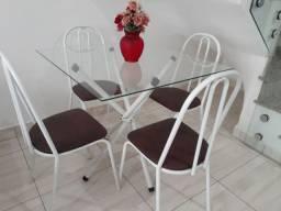 Mesa de jantar com tampo em vidro 4 Cadeiras