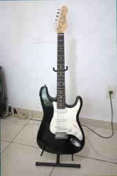 Guitarra Preta Dolphin Stratocaster + Aplificador