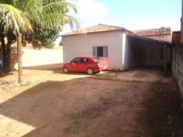 Casa com piscina, na zona sul, cond de chacara mas que virou urbano 280mil