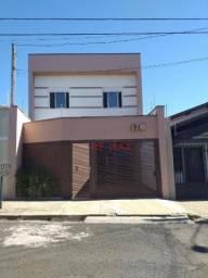 Sobrado com 3 dormitórios para alugar, 111 m² por R$ 2.500,00/mês - Centro - Botucatu/SP