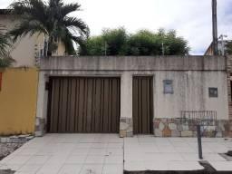 José de Alencar - Casa de 260m² com 3 quartos e 5 vagas
