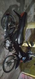 Vende ou troca moto mais alta