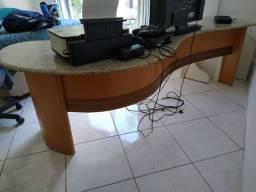 Mesa tampo de pedra para escritório .
