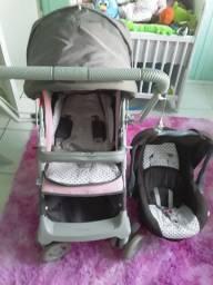 Vendo carrinho + bebê conforto em boas condições 250 reais watts * Adriano